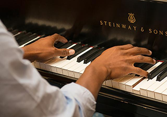 Piano Zoekt Pianist Hoeilanderbe